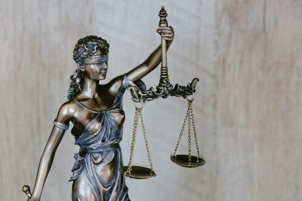 Justicia - Einhaltung der Grundrechte